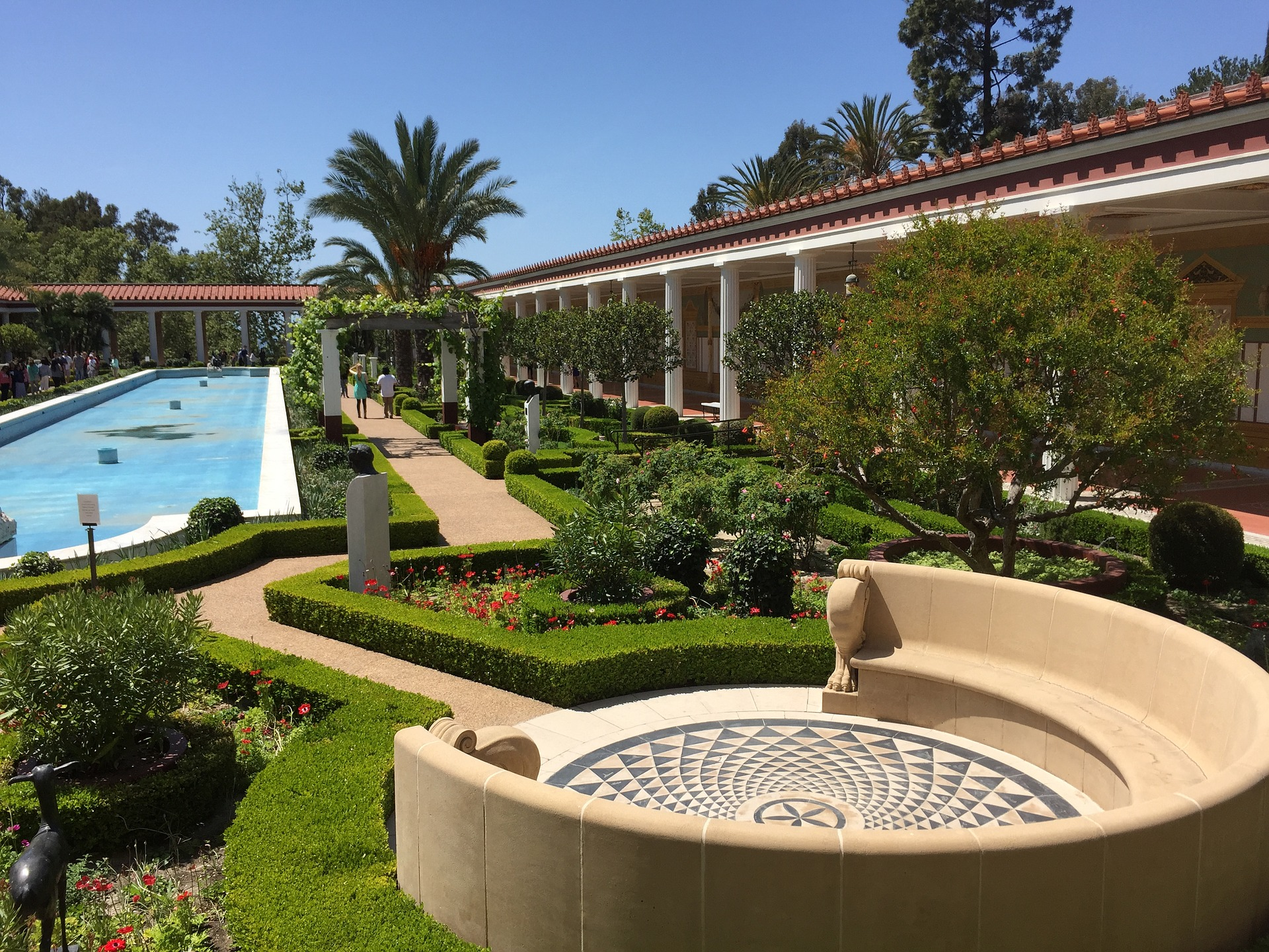 Self Hypnosis Audio - Beautiful hotel gardens with pool and circular ceramic bench